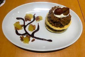 gramイオンレイクタウンmori店のポム・ド・パン(焙じ茶と栗のパンケーキ)1